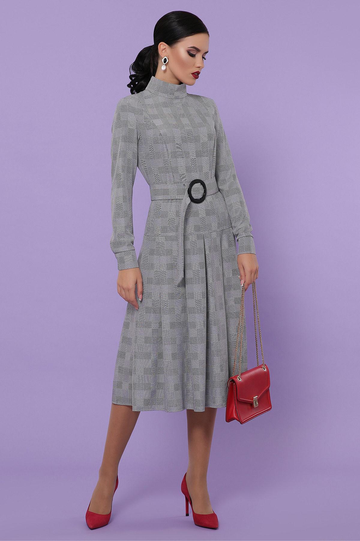 платье с воротником стойка