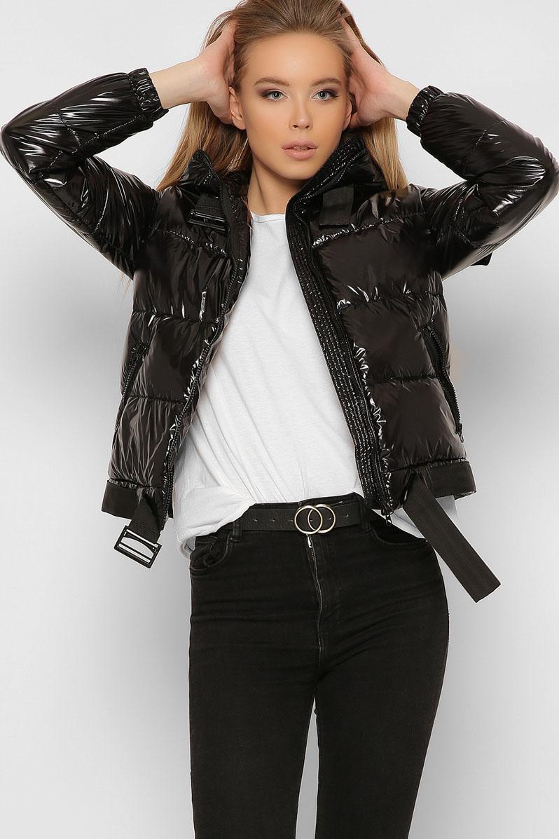 Черная куртка женская короткая с капюшоном4