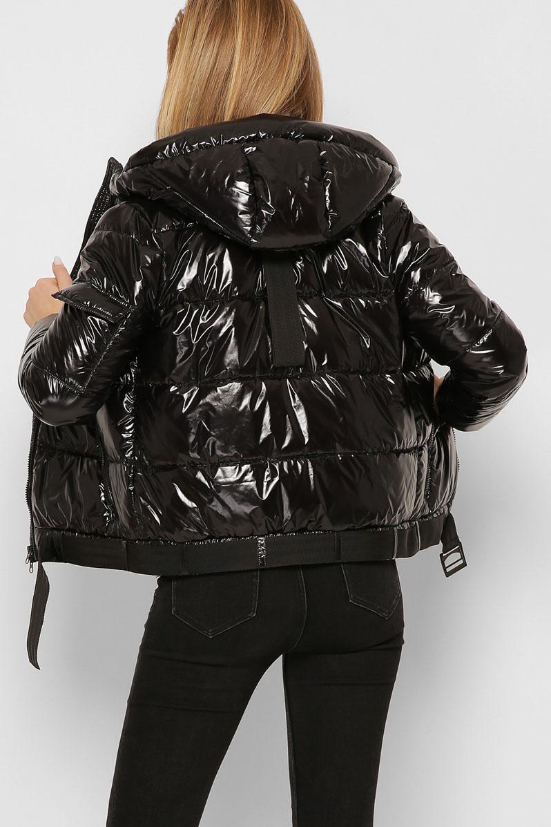 Черная куртка женская короткая с капюшоном5