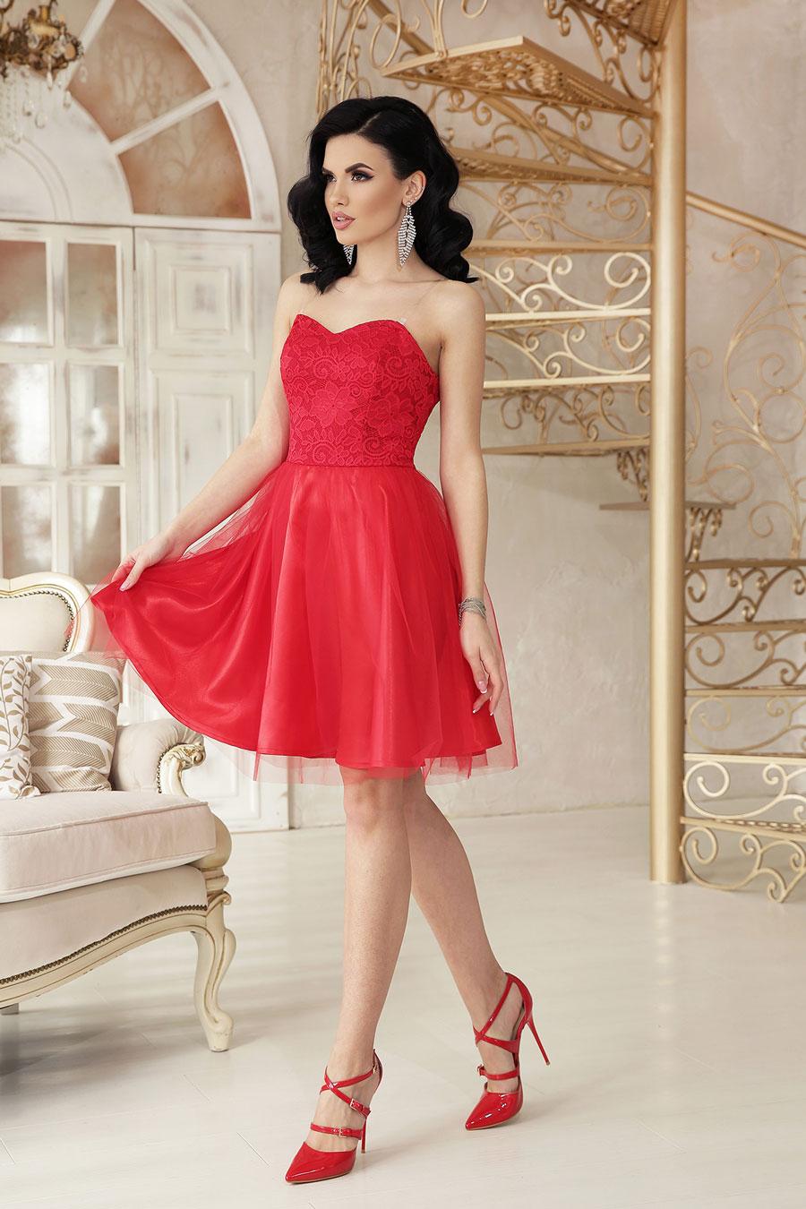 Нарядное короткое платье из атласа, кружево, пышный низ8