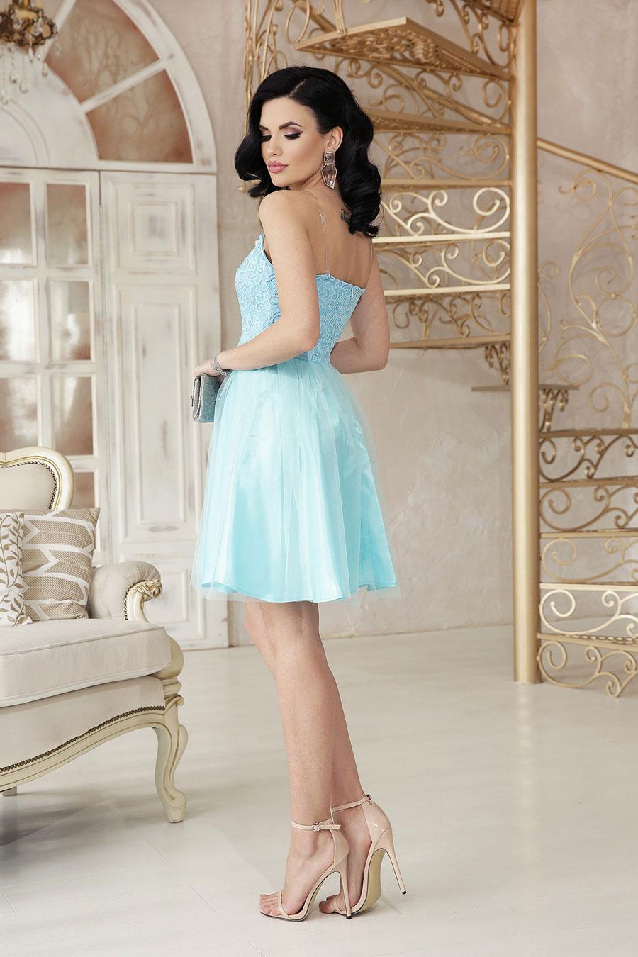 Нарядное короткое платье из атласа, кружево, пышный низ6
