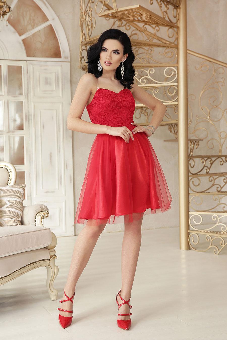 Нарядное короткое платье из атласа, кружево, пышный низ5
